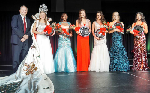 Photographed (left to right) Mayor Lee Posey, Miss Merry Christmas 2014 Madison Claire Ackel, Christmas Belles Asia Allen, Kara Davis, Peyton Ebarb, Emily Heard and Sarah Kay Whitehead.