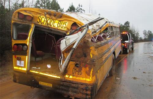 schoolbuswreck