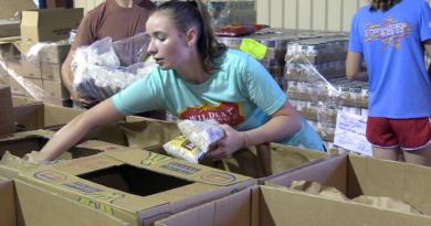 Louisiana College freshmen volunteer for Welcome Week